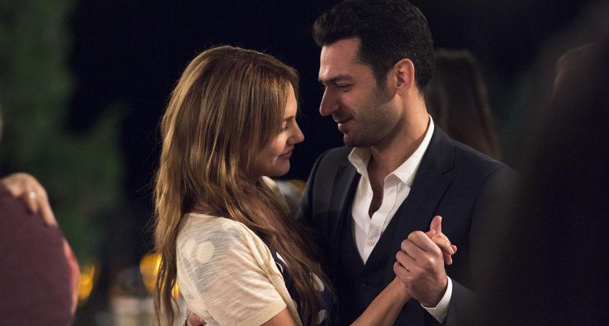 Od Meryem Uzerli do Murata Yildirima: Tko su sve  likovi nove turske serije 'Kraljica noći'?