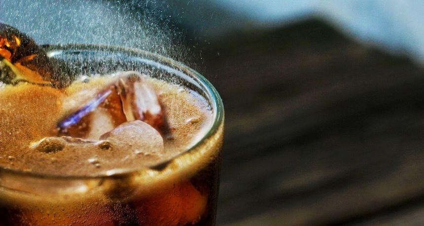 Umjetno zaslađeni sokovi mogu utrostručiti šanse za moždani udar, kaže studija