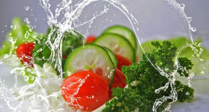 Koristite se ovim trikom i sačuvajte svježinu i hrskavost zelene salate