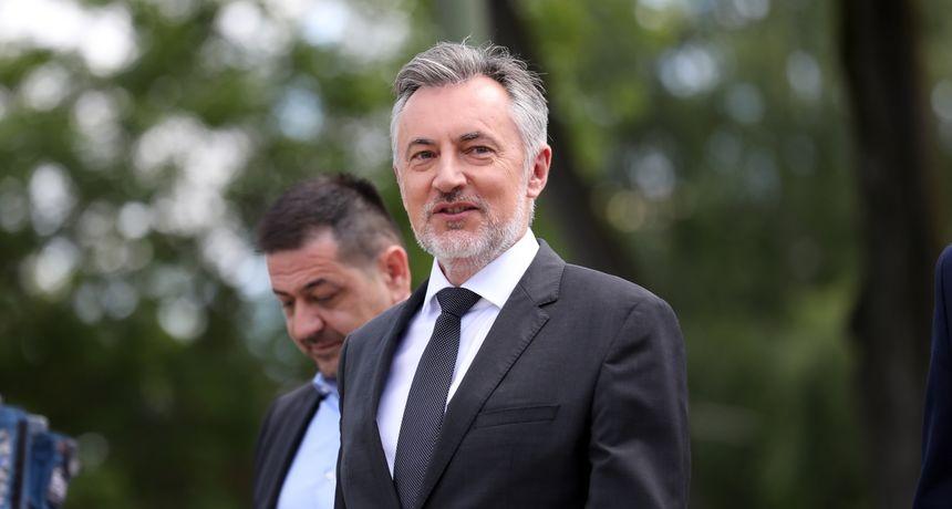 IZNENADA OBJAVIO Miroslav Škoro povlači se sa svih dužnosti u Domovinskom pokretu