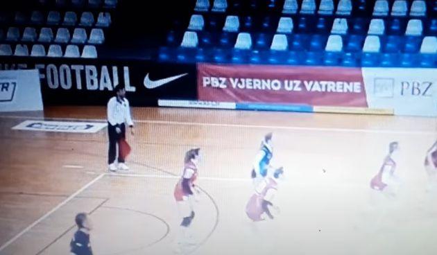 Na jučerašnjoj superligaškoj utakmici odbojkašica Karlovčanki i Riječanki - isključen sudac
