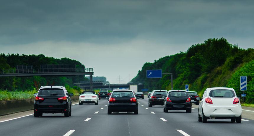 Zašto je u subotu na njemačkoj autocesti 500 ljudi sjedilo nasred ceste?