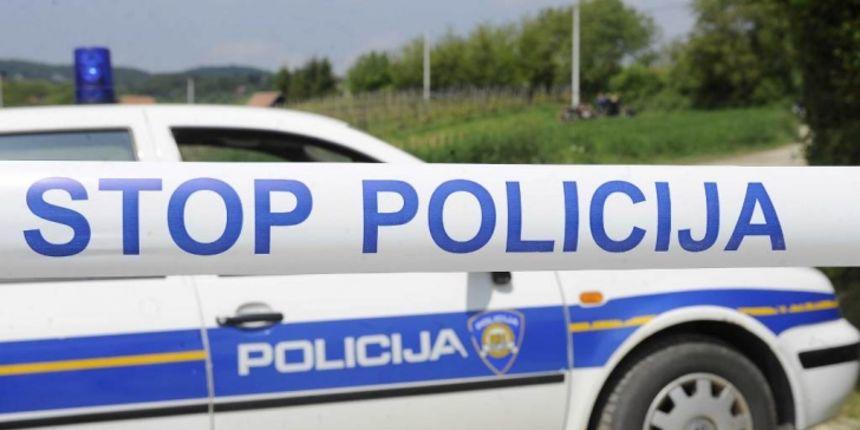 Policija objavila detalje nesreće u Gračacu: Vozač teretnog vozila prešao na suprotnu stranu