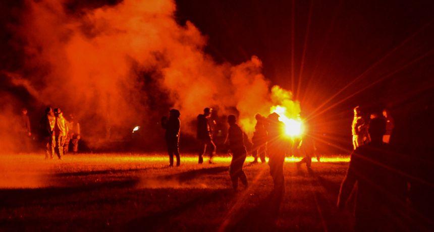 VIDEO Interventna rastjerivala 2000 rejvera s partyja, brutalni sukob trajao je satima. Jedan mladić izgubio je ruku