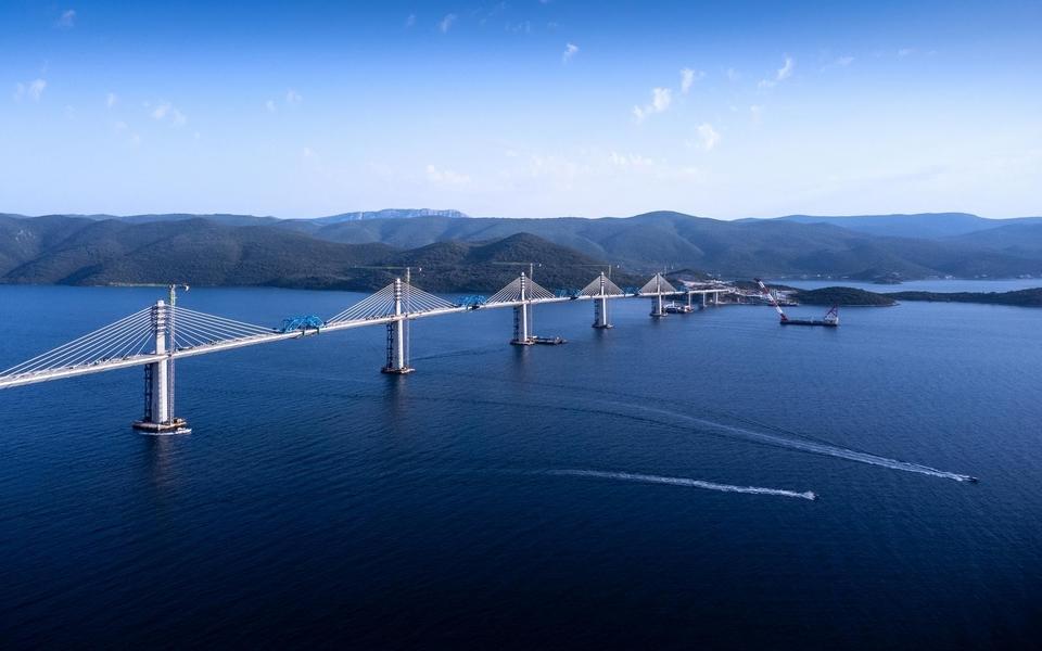 Pelješki most iz zraka nekoliko dana prije završetka