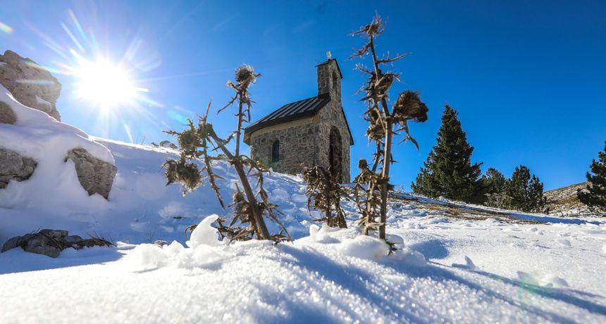 ISTRAŽILI SMO Na Zavižanu je pao snijeg, no žalosna je istina da ga je sve manje i da sve kasnije stiže