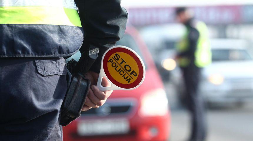 POLICIJA U KONTROLI Pojačano pratili vozače mopeda i motocikala, utvrđeno 34 prekršaja