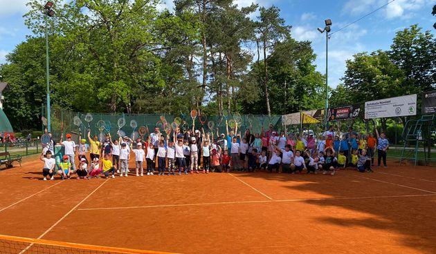 Mali tenisači i tenisačice