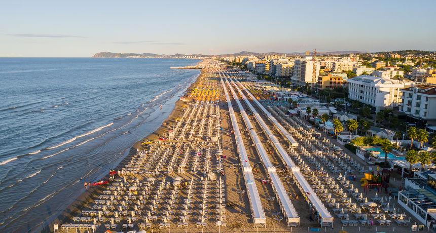 Privatnici zagospodarili plažama u Italiji, do nekih je nemoguće doći! Cijene su dramatično skočile, a tu je i velika prijetnja