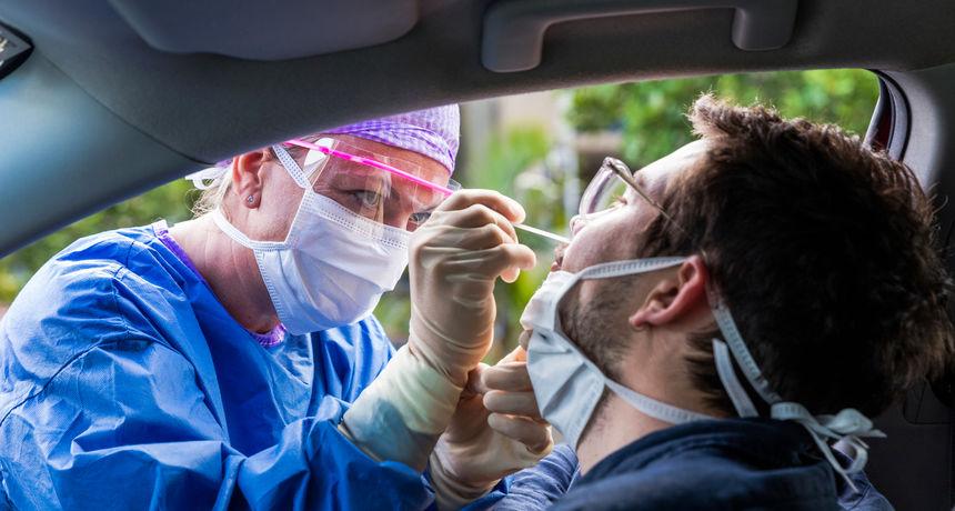 Glavobolja, upaljeno grlo i curenje nosa postali su najčešće prijavljeni simptomi zaraze delta varijantom