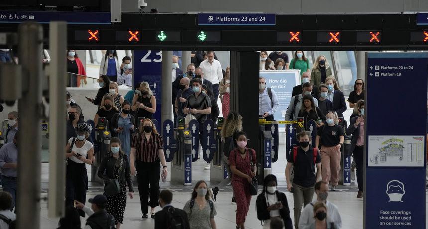 Britanski stručnjak upozorio: Uoči ukidanja mjera, sto tisuća slučajeva Covida dnevno je 'gotovo neizbježno'