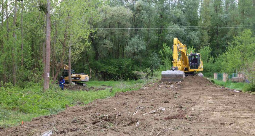 Vikend naselje Karašica dobiva kvalitetan nasip za obranu od poplava