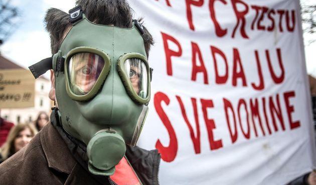 Kroz Osijek prošla povorka slobode - povorka protiv ograničavanja zbog koronavirusa