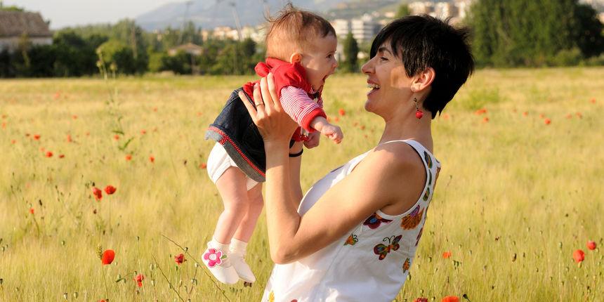 Majčinstvo u starijoj dobi nosi brojne dobrobiti: ipak je bolje kasnije nego prije?