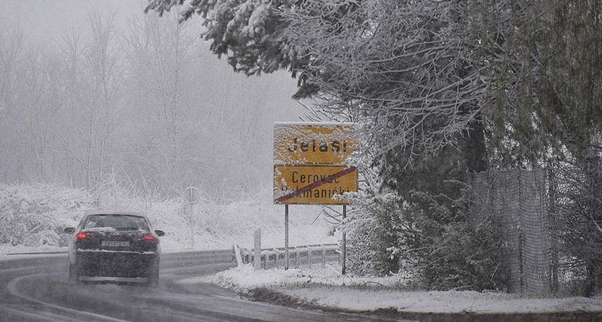 Za gotovo cijelu zemlju upaljen je meteoalarm: 'Ako se spremate na put kroz gorske predjele, pripremite zimsku opremu' VIDEO