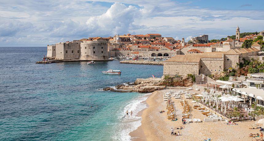 Putujte jeftino, putujte u Hrvatsku, tako Britanci reklamiraju našu zemlju u posezoni. Zar i gradove poput Dubrovnika!?