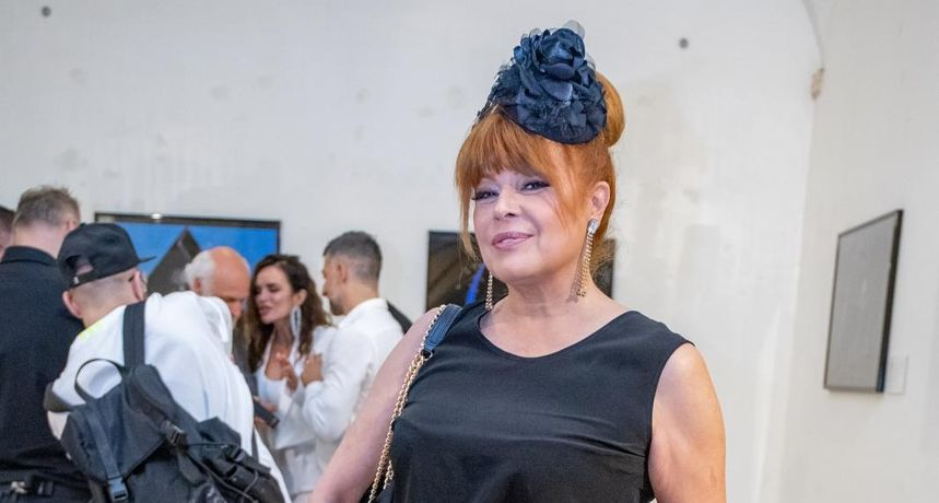 Samo u 'gaćama': Hrabro izdanje Mije Begović koja u 59. godini izgleda nevjerojatno