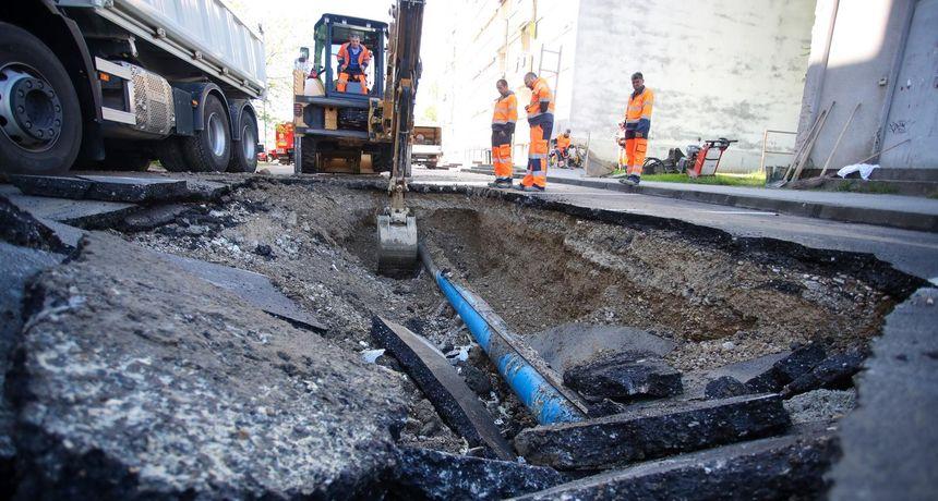 Usred Zagreba asfalt potonuo u dužini od 30 metara: Pukla vodovodna cijev