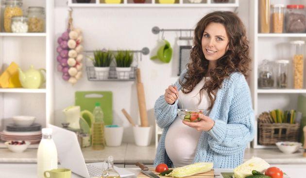 Zdrava prehrana u trudnoći: Žena dnevno treba samo 300 kalorija više