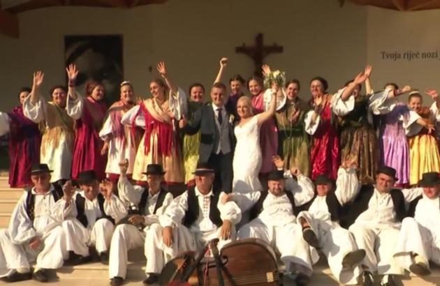 Pogledajte video reportažu RTL-a s pravih slavonskih tradicionalnih svatova