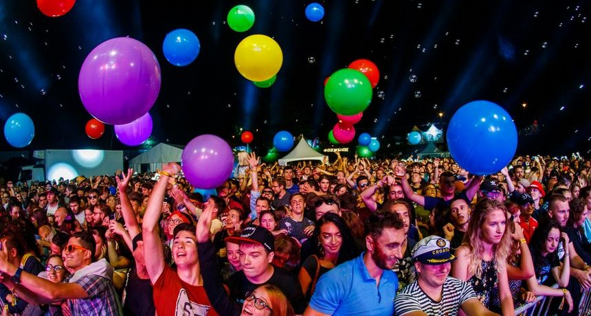 Ferragosto JAM 12.5: Objavljena satnica festivala, povoljniji prijevoz vlakom i informacije o testiranju