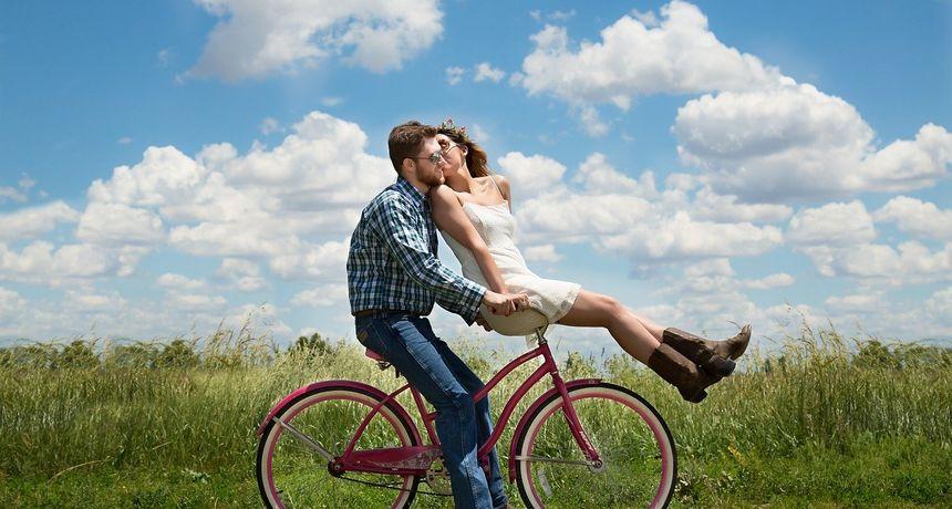 Loše higijenske navike parova: Dijele četkice i britvice, a 1/4 ih dijeli čak i donje rublje!