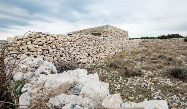 Hrvatski branitelji održavaju staru tradiciju gradnje suhozida: 'Mi se ovdje družimo, nađemo se malo oko zida, malo oko komina'