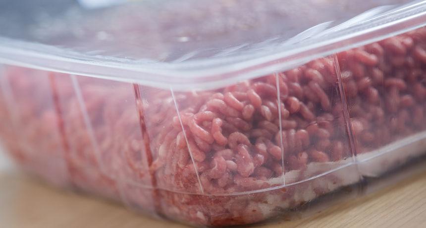 Treba vam doslovno pet sekundi: Evo kako ćete znati je li zapakirano meso u trgovini svježe ili pokvareno