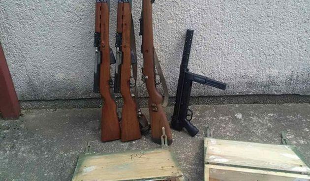 Brođaninu dosta rata pa predao hrpu oružja policiji