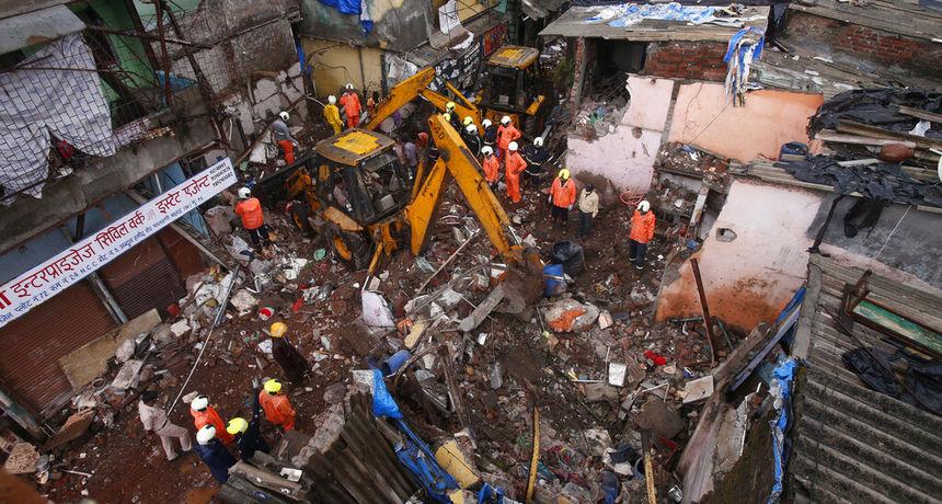 FOTO U bujicama poginulo jedanaest osoba, od kojih je osmero djece: Sedmero ljudi je ozlijeđeno