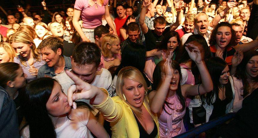 NIŠTA BEZ POTVRDE Samo uz Covid potvrde na koncerte i okupljanja!