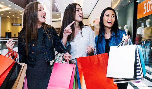 Shopping, prijateljice, žensko društvo