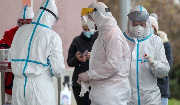Zabrinjavajući rast novozaraženih! U Hrvatskoj danas čak 3258 novih slučajeva, umrlo je 17 ljudi