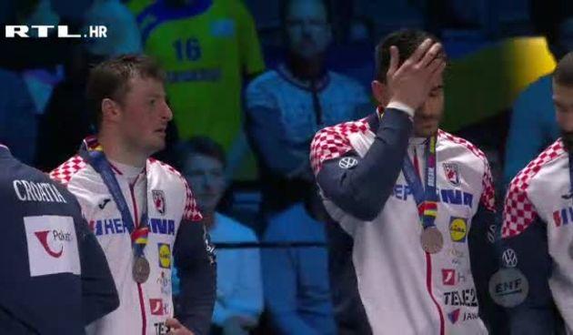 Kauboji u suzama primili srebrne medalje (thumbnail)