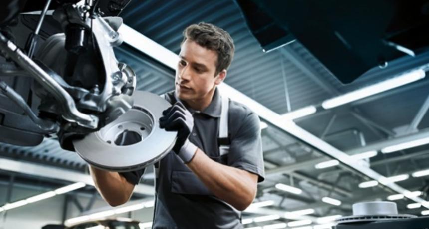 U AC Baumgartner traje akcija na BMW brake service