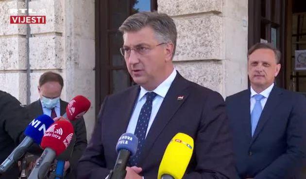 Plenković daje izjavu u Puli (thumbnail)