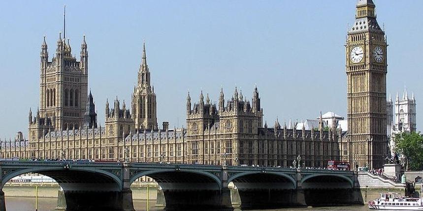 Svi koji ulaze u Ujedinjeno Kraljevstvo morat će u 14-dnevnu karantenu