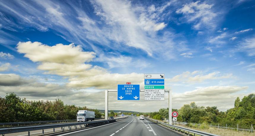 Na autocesti vozila 60 kilometara u pogrešnom smjeru: Policiji trebalo sat vremena da ju zaustave