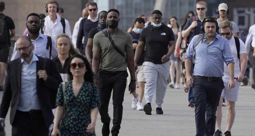 Rast broja zaraženih, nestašica u supermarketima i kaos sa samoizolacijom: Na 'Dan slobode' Engleska se suočava s velikim problemima