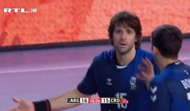 Lakat u Karačićevu glavu i crveni karton za argentinskog kapetana (thumbnail)