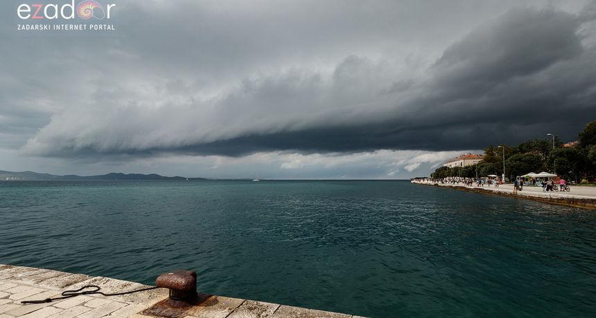 Sutra nas očekuje pravi kišni dan, a najviše oborina će pasti u noći s nedjelje na ponedjeljak