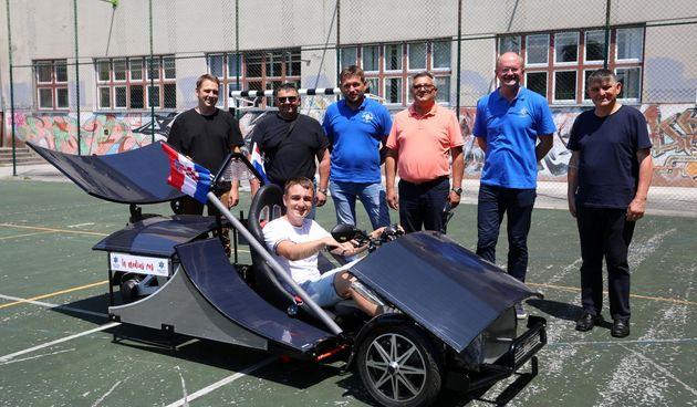 Trkaći električni automobil karlovačkih srednjoškolaca