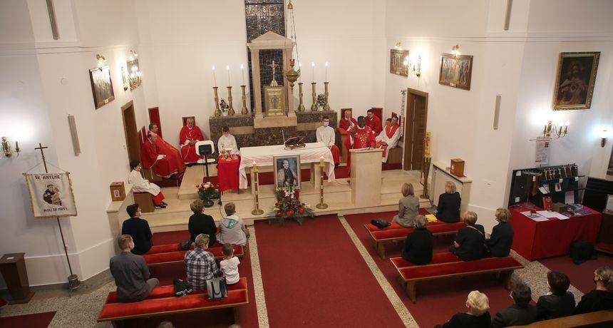 Proslavljena župna svetkovina u župi bl. A. Stepinca u Dugoj Resi - svečano euharistijsko slavlje predvodio vlč. Odilon