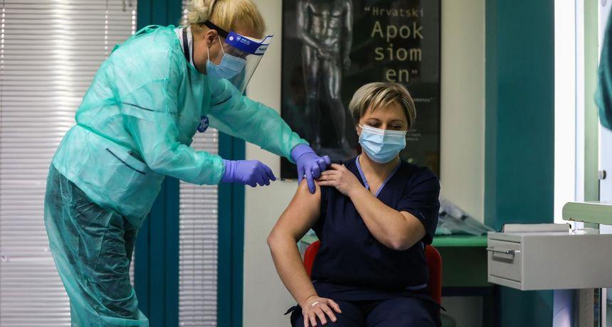 Počelo cijepljenje u splitskoj Spaladium areni, stiže 6000 doza cjepiva