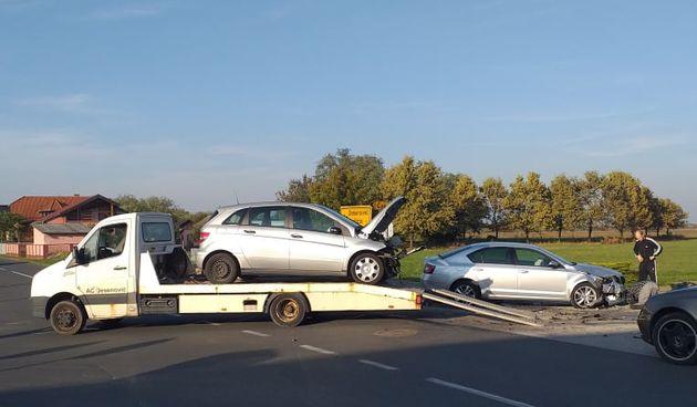 PRIBISLAVEC Sudarila se dva vozila na raskrižju
