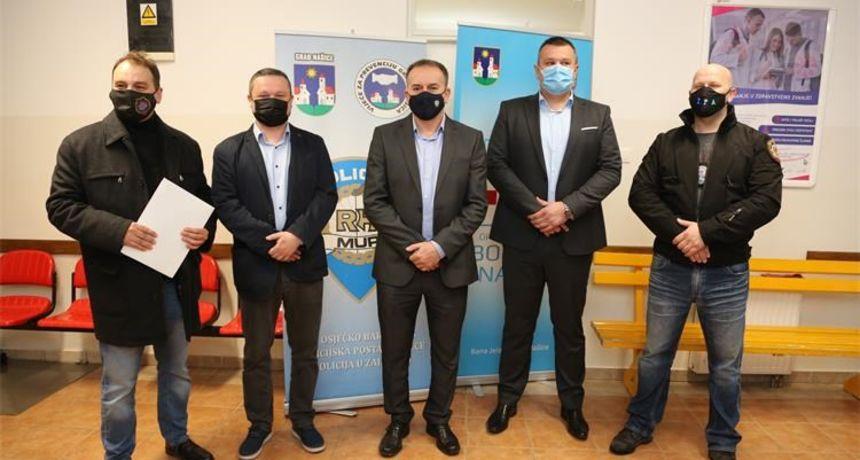 Osječki policajci osigurali vrijednu donaciju bolnici u Našicama