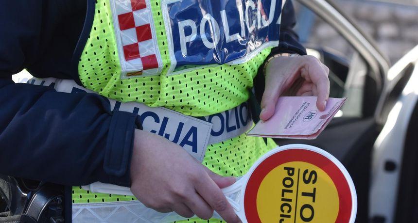 Policija na đakovačkoj obilaznici zaustavila 34-godišnjaka i nakon provjere mu oduzeli auto, a njega uhitili