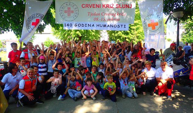 U Slunju veselo obilježen Tjedan Crvenog križa i više obljetnica - zanimljiv program i zabava u parku za sve generacije