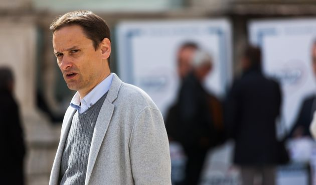 Enio Meštrović na Narodnom trgu prikupljao potpise za gradonačelničku kandidaturu