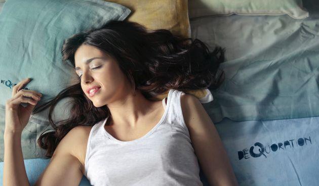 Spavanje u trudnoći: Kako doskočiti nesanici i izabrati pravi položaj